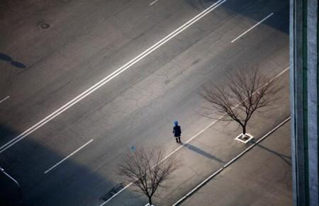 Grandi spazi ma poco traffico a Pyongyang, Corea del Nord